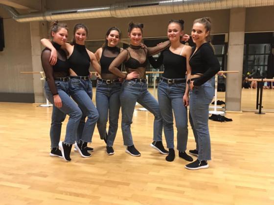 Groupe de jeunes danseuses